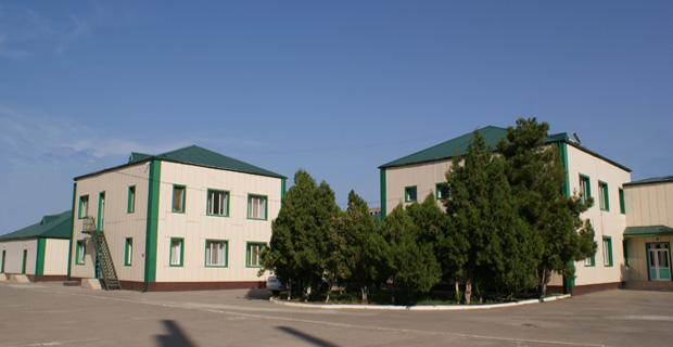 Территория и здания училища